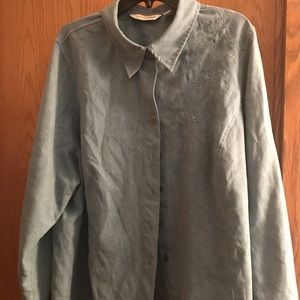 Soft by Avenue Button down blouse 26/28